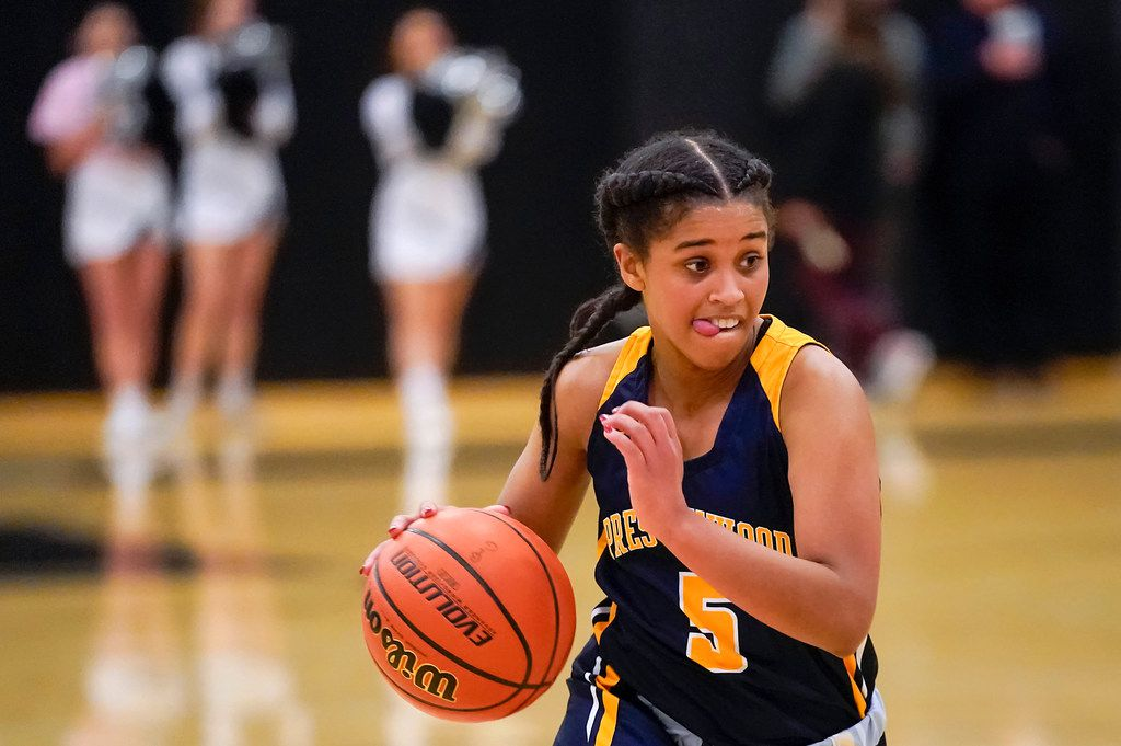 Prestonwood Christian guard Kendall Parker brings the ball up the floor during a TAPPS 2-6A high school girls basketball game against the Bishop Lynch on Friday, Feb. 7, 2020, in Dallas. Bishop Lynch won the game 59-54. (Smiley N. Pool/The Dallas Morning News)