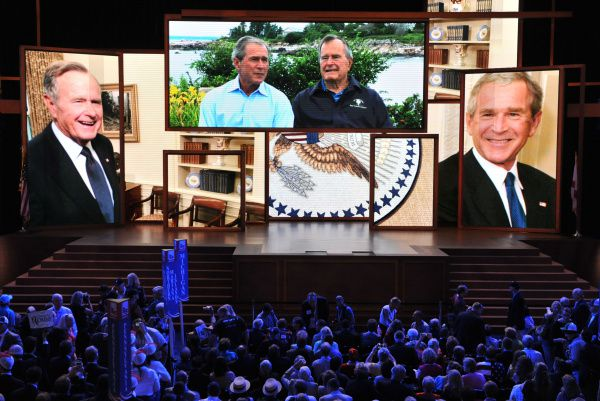 A video of former presidents George Bush, father and son, was aired Wednesday night at the Republican National Convention.