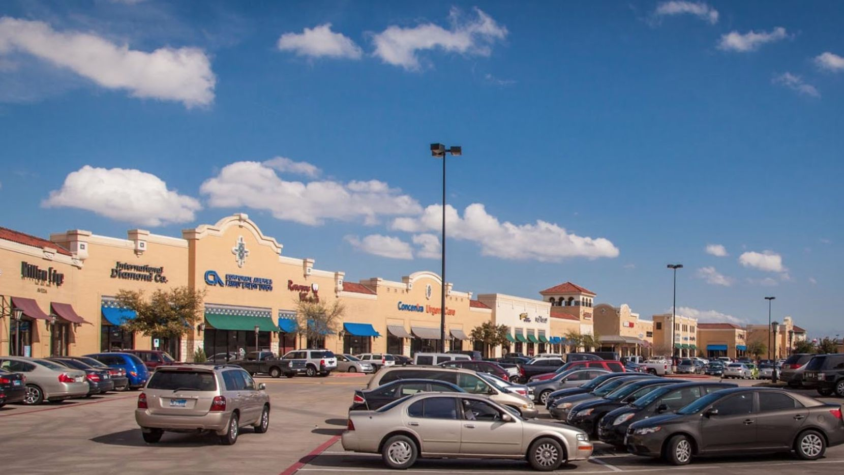 Las Colinas Village was purchased by Whitestone REIT.