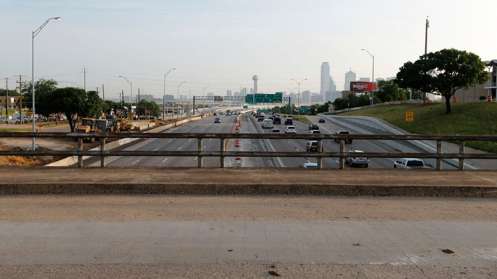 TxDOT's $666 million Southern Gateway project will see Interstate 35E widened from four main lanes in each direction to five in each direction between downtown Dallas and the U.S. Highway 67 interchange. It will also include two reversible, non-tolled express lanes.