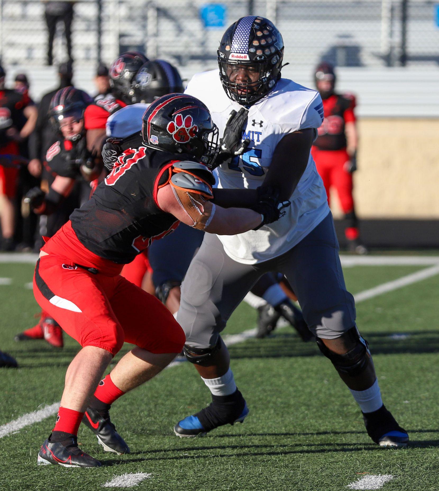 Mansfield Summit offensive lineman Colby Jackson (75) blocks Colleyville Heritage defensive lineman Taylor Steele (90) during the first half at Bearcat Stadium in Aledo, Texas, Saturday, December 26, 2020. (Elias Valverde II / Special Contributor)