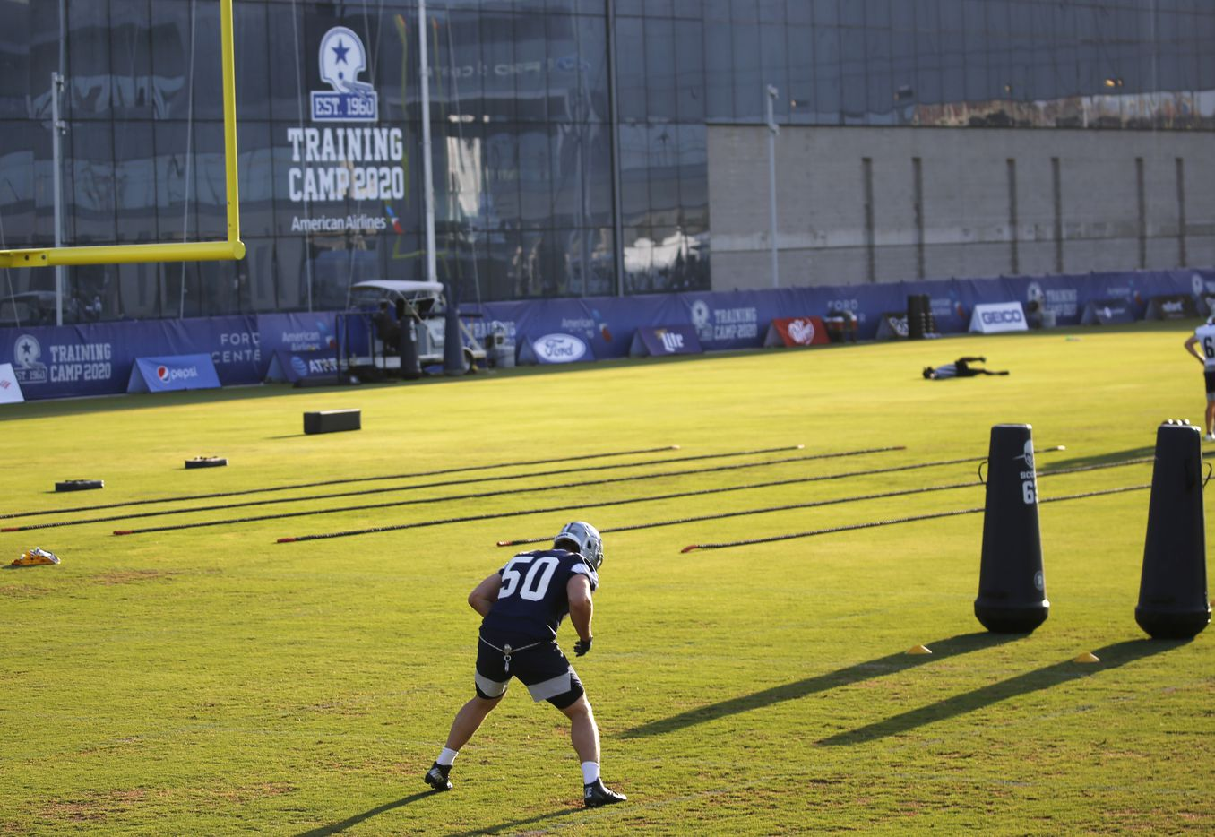 Dallas Cowboys linebacker Sean Lee (50) works out during the first day of training camp at Dallas Cowboys headquarters at The Star in Frisco, Texas on Friday, August 14, 2020. (Vernon Bryant/The Dallas Morning News)