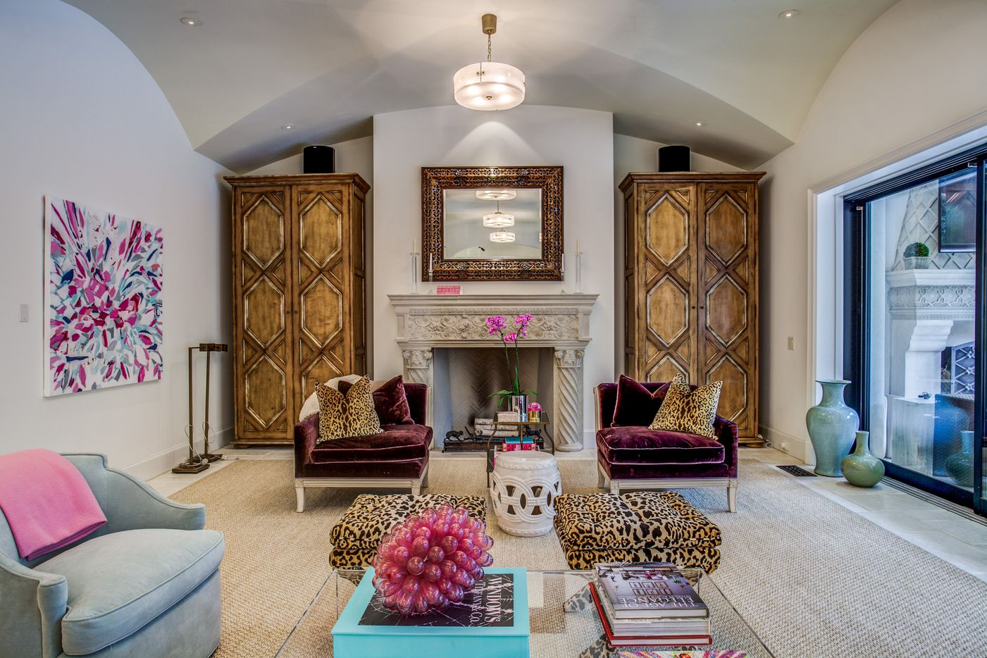 A look at the living room of the Dallas home Kameron Westcott is selling.