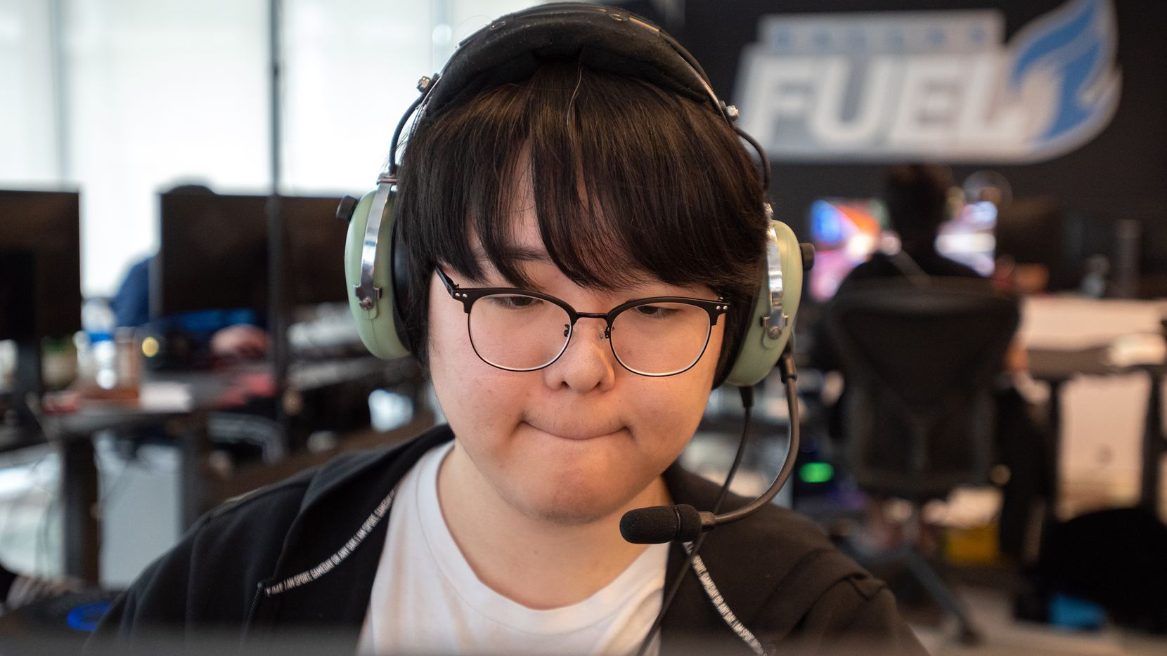 """Dallas Fuel Support player SeungSoo """"Jecse"""" Lee during a practice game at the Dallas Fuel headquarters in Dallas, on Monday, Sept. 13, 2021."""