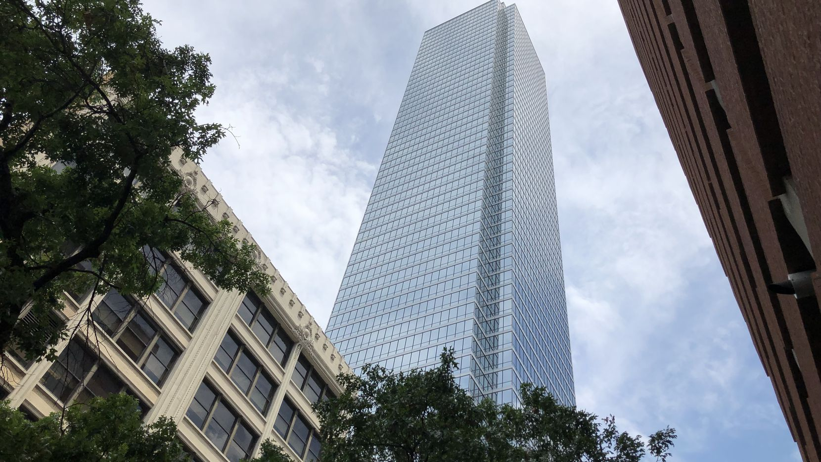 Law firm Zelle LLP is expanding and remodeling its office in Bank of America Plaza.