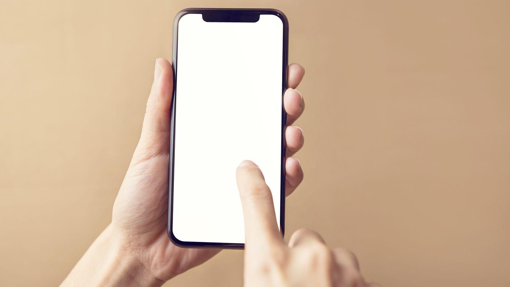 Enviar imágenes sexuales explícitas por cualquier medio electrónico ahora acarrea una multa de hasta $500 en Texas.