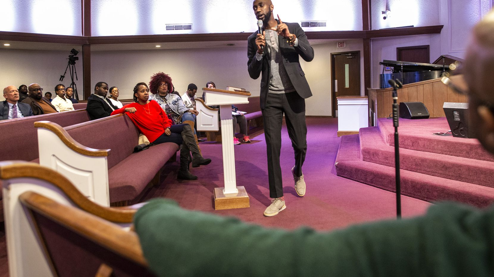 Reverend Edwin Robinson speaks to attendees at a Black Clergy meeting at the Dallas City Temple Seventh-Day Adventist Church in Dallas on Thursday, Jan, 30, 2019. Robinson and other faith leaders from Dallas talked about a community-driven vision for economic development in southern Dallas.