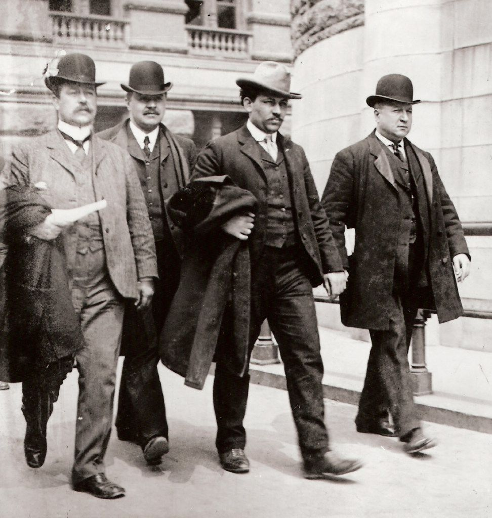 Joseph Petrosino (far right) leads a Black Hand suspect to court. From The Black Hand, by Stephan Talty.