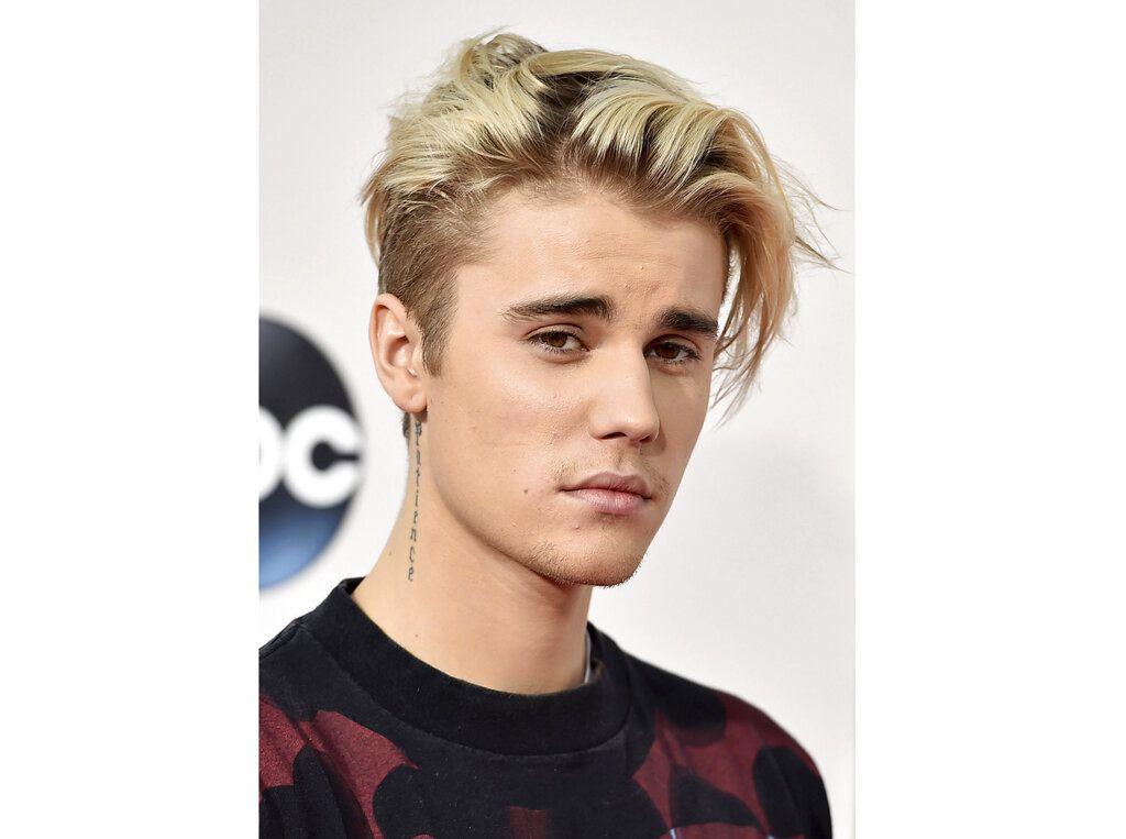 ARCHIVO – En esta fotografía de archivo del 22 de noviembre de 2015 Justin Bieber en los American Music Awards en Los Angeles. Bieber dijo que padece la enfermedad de Lyme en una publicación de Instagram el 8 de enero de 2020. (Foto AP Jordan Strauss/Invision/AP)