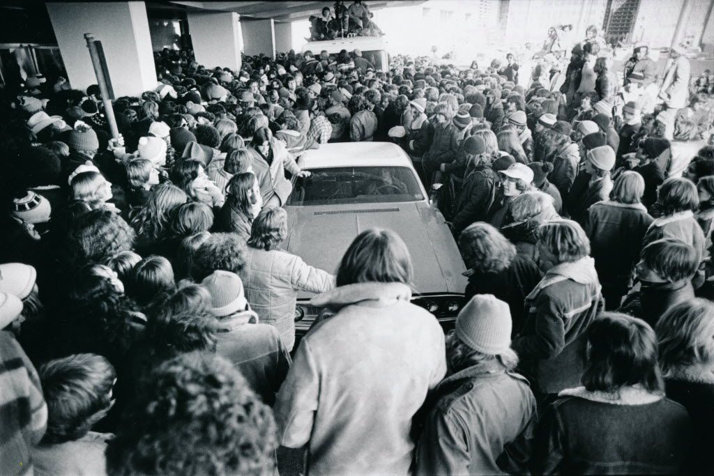 Ticket line for March 4, 1977 performance of the Led Zeppelin concert at Memorial Auditorium.