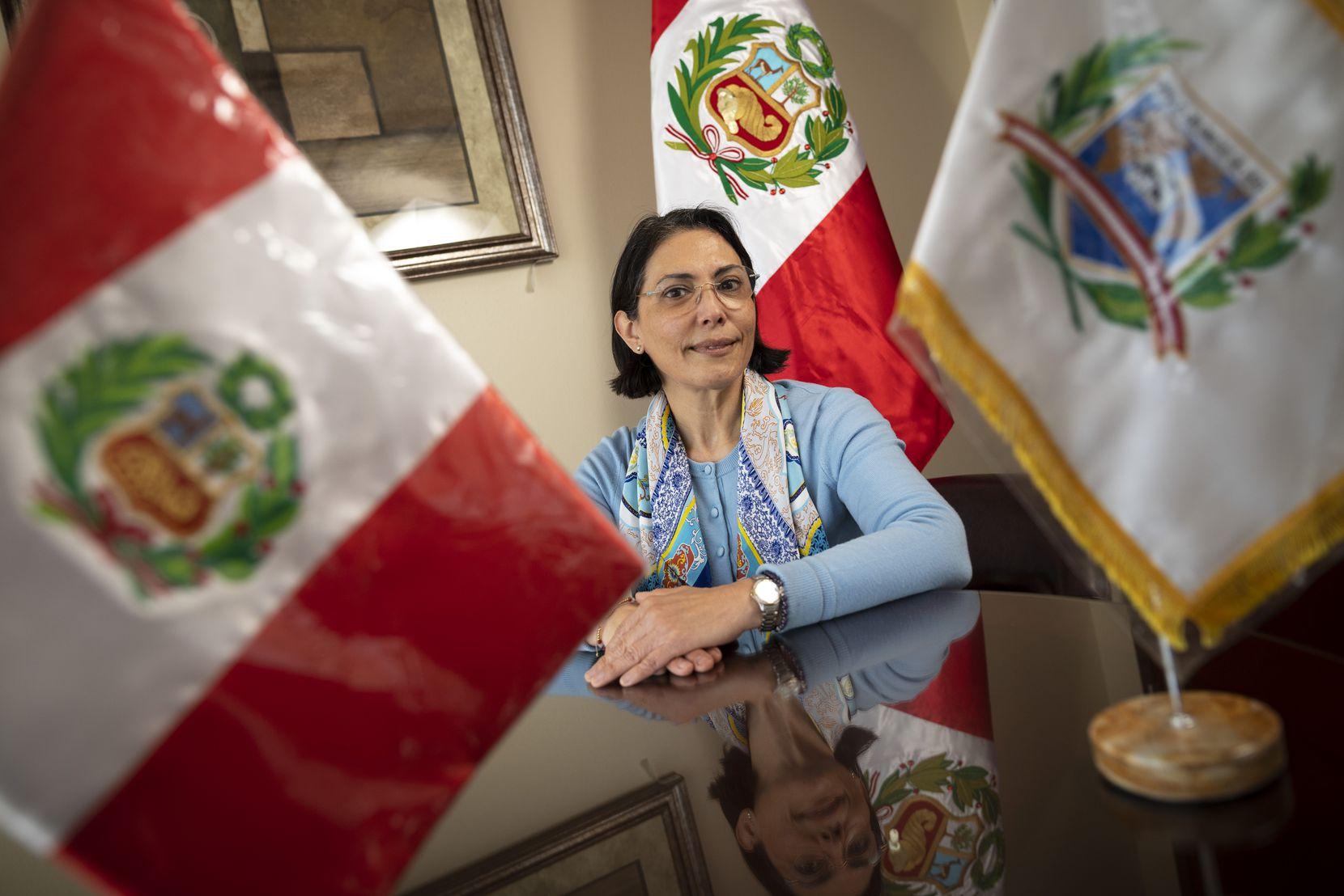 Liliana Patricia Trelles, cónsul general de Perú en Dallas, indicó que las mesas de votación estarán abiertas el domingo 11 de abril para que los peruanos cumplan con su obligación de ir a votar.