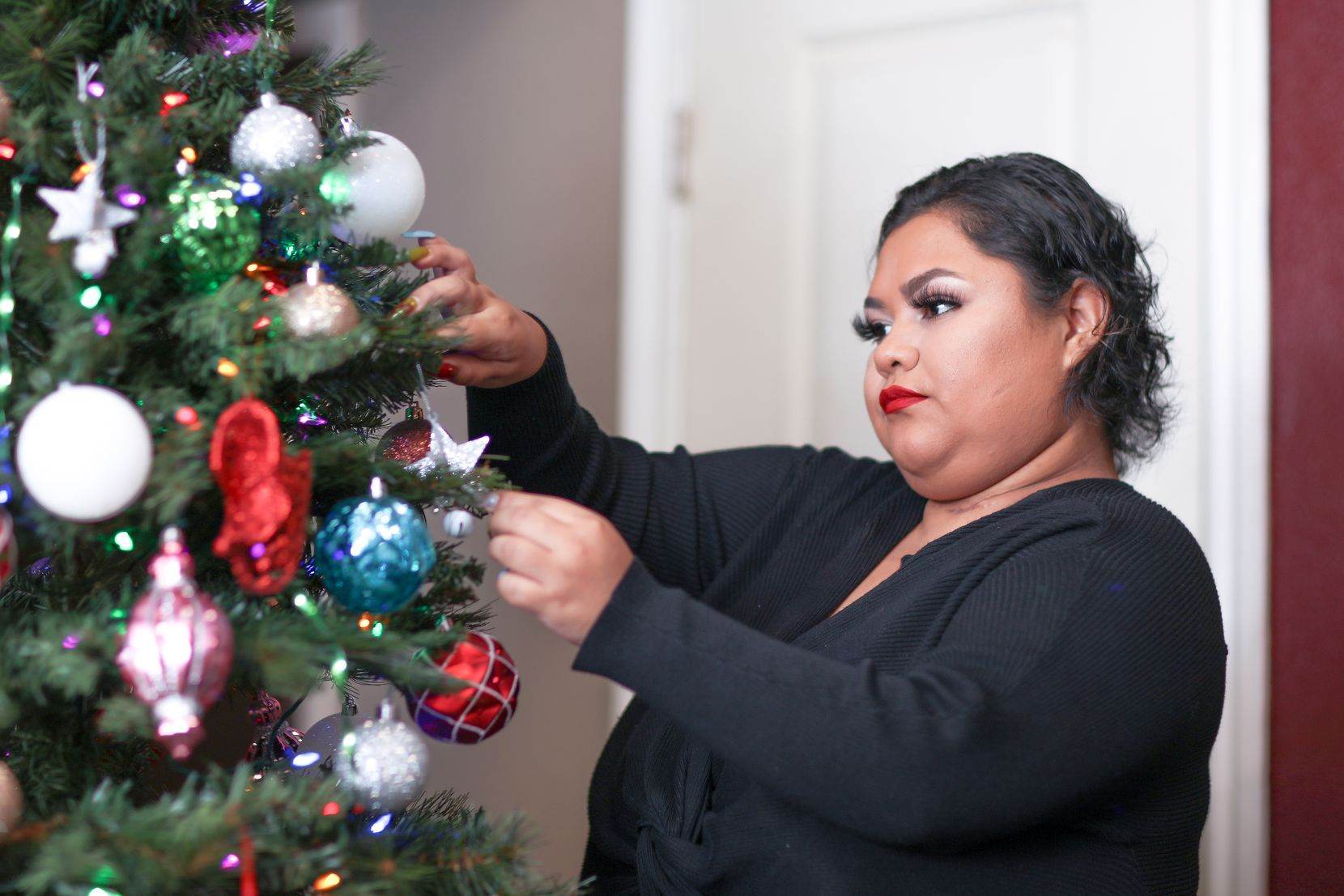 Devany Veloz celebrará esta Navidad con su esposo, su hijo y sus padres, con quienes vive. Para ella, las festividades de fin de año serán especiales porque ha sobrevivido a la pandemia.