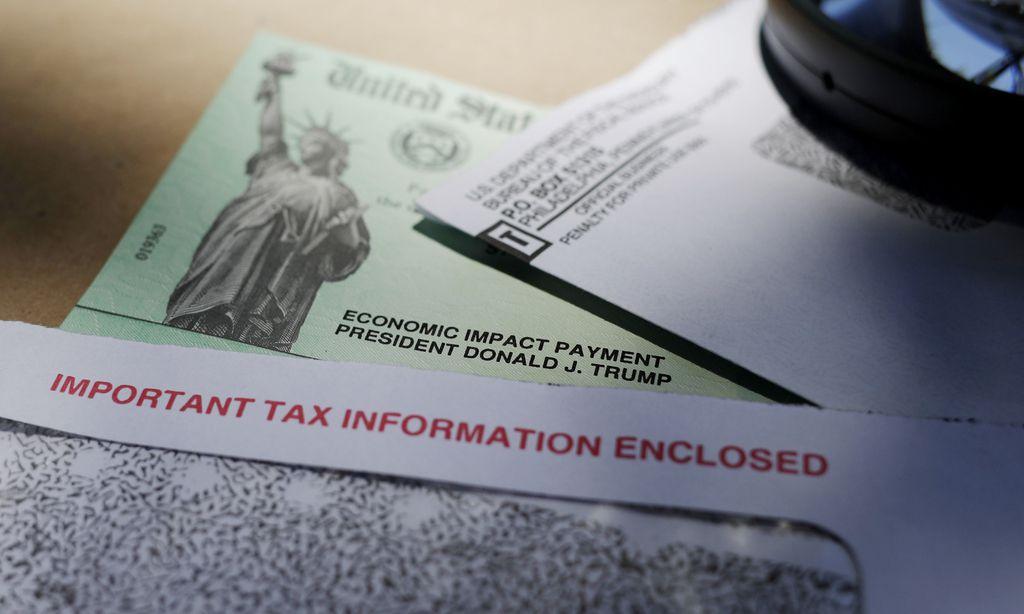 Ciudadanos que quedaron fuera de los cheques de estímulo dijeron que ahora revisan mejor las propuestas de los candidatos para saber si van a tomar en cuenta a las familias mixtas.