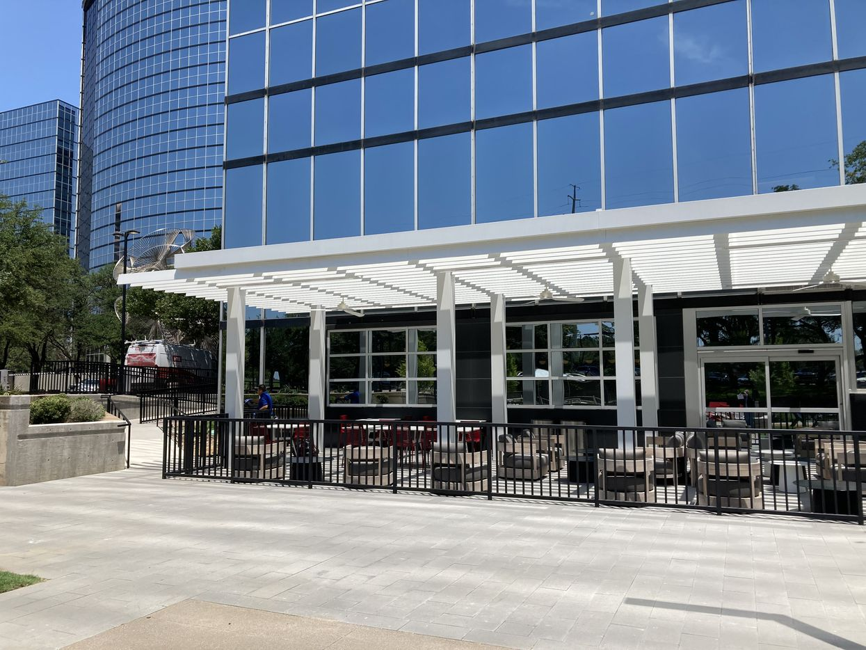 The new outdoor dining patio at Lincoln Centre.