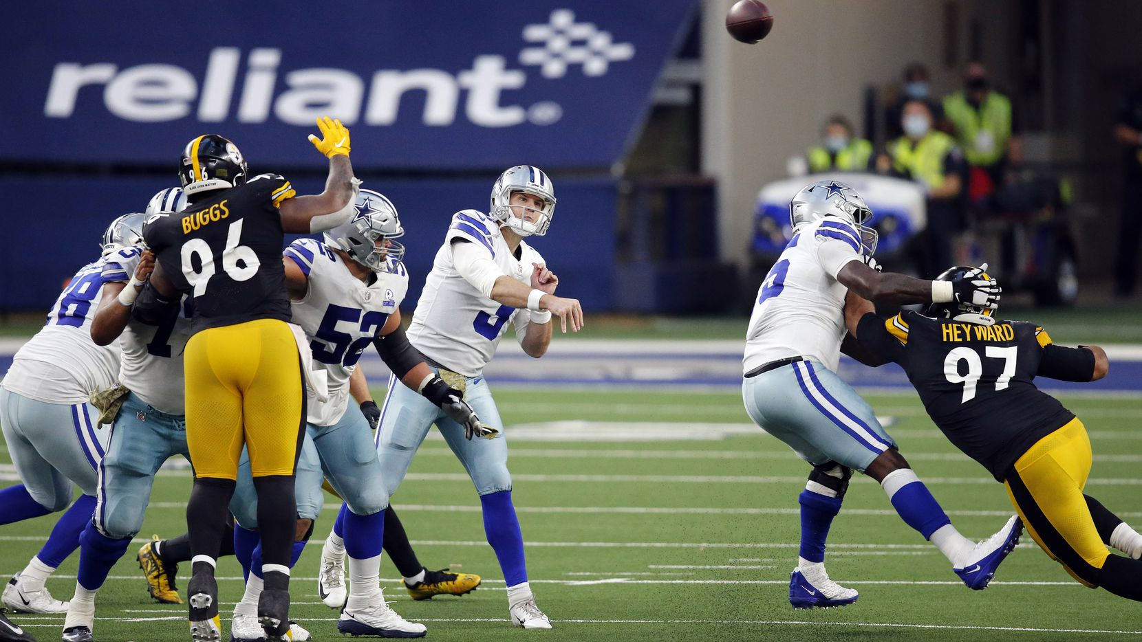 Dallas Cowboys quarterback Garrett Gilbert (3) throws a third quarter pass against the Pittsburgh Steelers defense at AT&T Stadium in Arlington, Texas Sunday, November 8, 2020.
