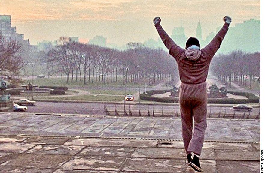 """Uno de los momentos más recordados de """"Rocky"""", largometraje de 1976 que ganó el Óscar a Mejor Película, es la secuencia en la que el luchador entrena por la ciudad y sube triunfante los escalones del Museo de Arte de Filadelfia."""