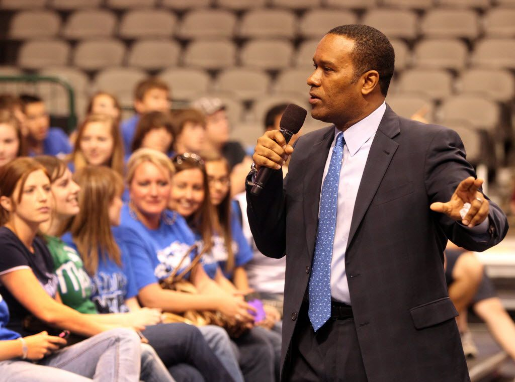 Dallas Mavericks President and CEO, Terdema Ussery, talks to high school students during at American Airlines Center in Dallas, Texas, on March 24, 2011.  (Michael Ainsworth/The Dallas Morning News)
