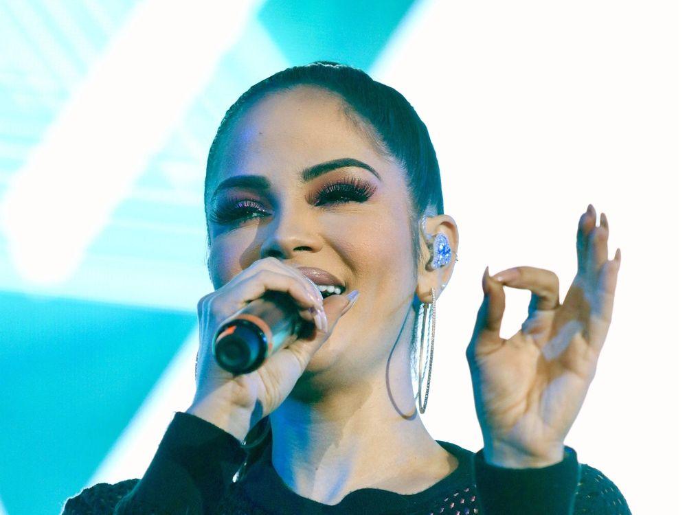 Con más de 20 millones de fieles seguidores, Natti Natasha fue nominada como Artista Femenina Favorita para los Latin AMAs, a celebrarse el 17 de octubre en Los Ángeles.