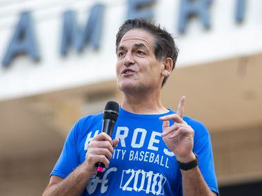 "Dallas Mavericks Owner Mark Cuban welcomes attendees during a ""Courageous Conversations"" meet-up to discuss systemic racism at Victory Plaza outside the American Airlines Center in Dallas on Tuesday, June 9, 2020."