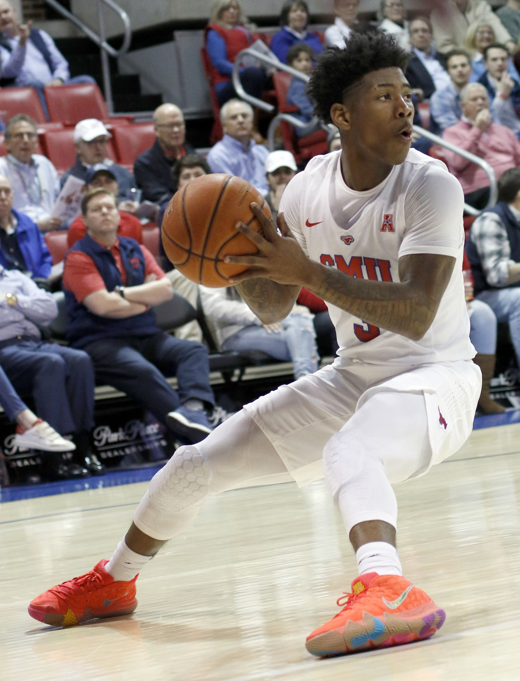 SMU guard Kendrick Davis (3) pumps the brakes as he looks to pass during first half action against Memphis. SMU won 58-53. The two teams from the NCAA's American Athletic Conference played their men's basketball game at SMU's Moody Coliseum in Dallas on February 25, 2020.