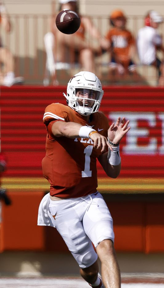 Texas Longhorns quarterback Hudson Card (1) throws a pass downfield lagainst the Louisiana-Lafayette Ragin Cajuns in the first half at DKR-Texas Memorial Stadium in Austin, Saturday, September 4, 2021. (Tom Fox/The Dallas Morning News)