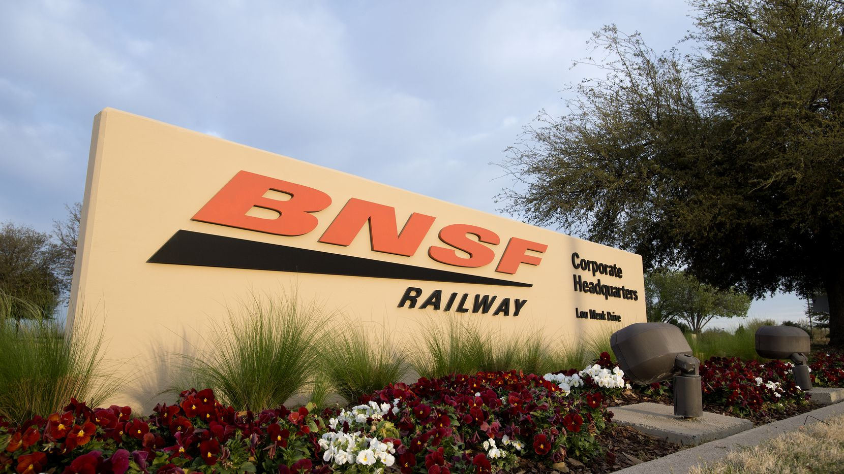 BNSF owns 23,000 miles of track, spread throughout 28 states.