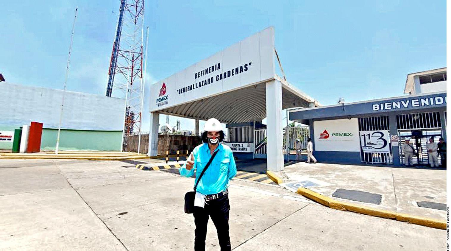 Ricardo González (foto), su nombre real, decidió visitar la refinería General Lázaro Cárdenas ubicada en Minatitlán, Veracruz, para reconocer la labor de trabajadores y del Presidente Andrés Manuel López Obrador, pero lo único que se ganó fueron críticas. (AGENCIA REFORMA)