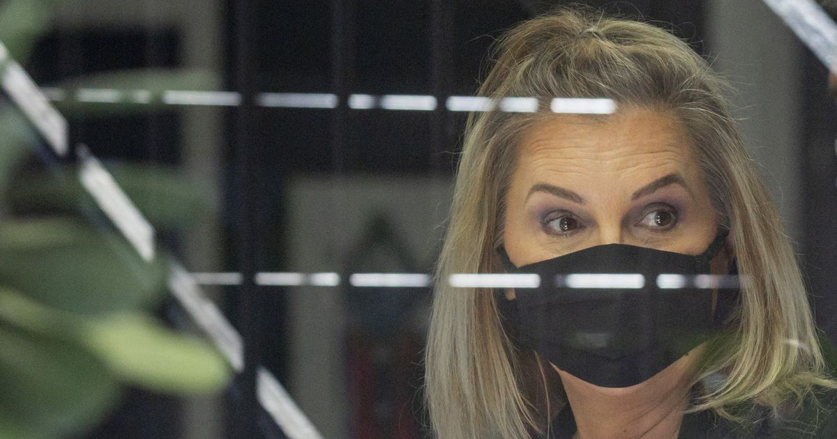 Dallas salon owner jailed for reopening in violation of court order