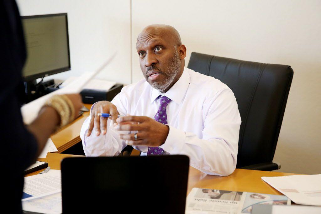 Dallas city manager T.C. Broadnax on the job at Dallas City Hall. (Andy Jacobsohn/The Dallas Morning News)