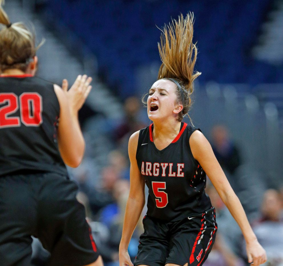 Argyle's Rhyle McKinney celebrates during a state semifinal against Houston Wheatley in 2018. (Photo by Ronald Cortes)