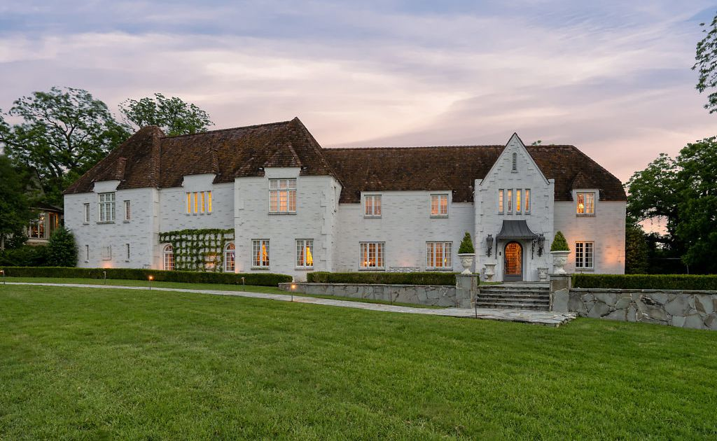 Look inside a 1920s Fort Worth estate that would be a good fit in the French countryside