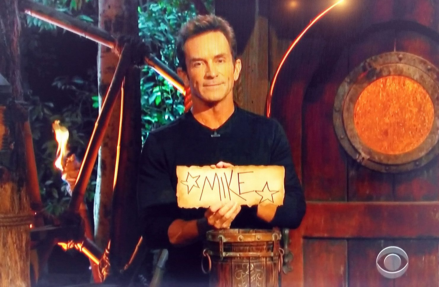 Jeff Probst reveals the winning vote on Wednesday night.