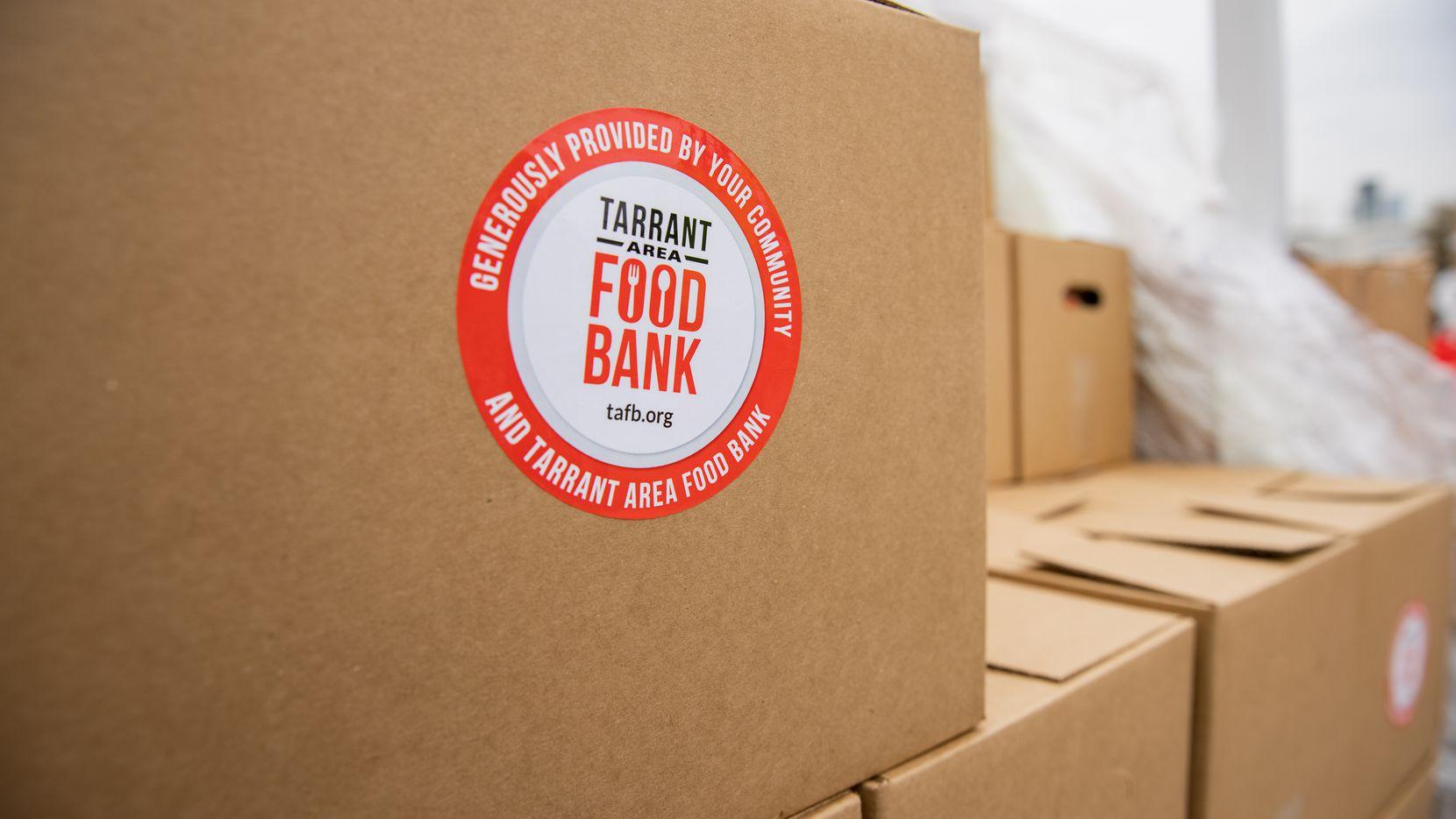 El Tarrant Area Food Bank cambió su entrega de canastas al lunes 29 de marzo, con motivo del Viernes Santo el 2 de abril.