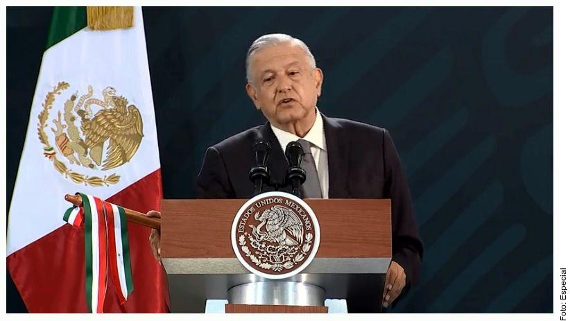 El Presidente Andrés Manuel López Obrador dijo que está muy difícil que el REFORMA acepte y reconozca que su Gobierno va bien porque es un periódico de la Oposición y conservador.