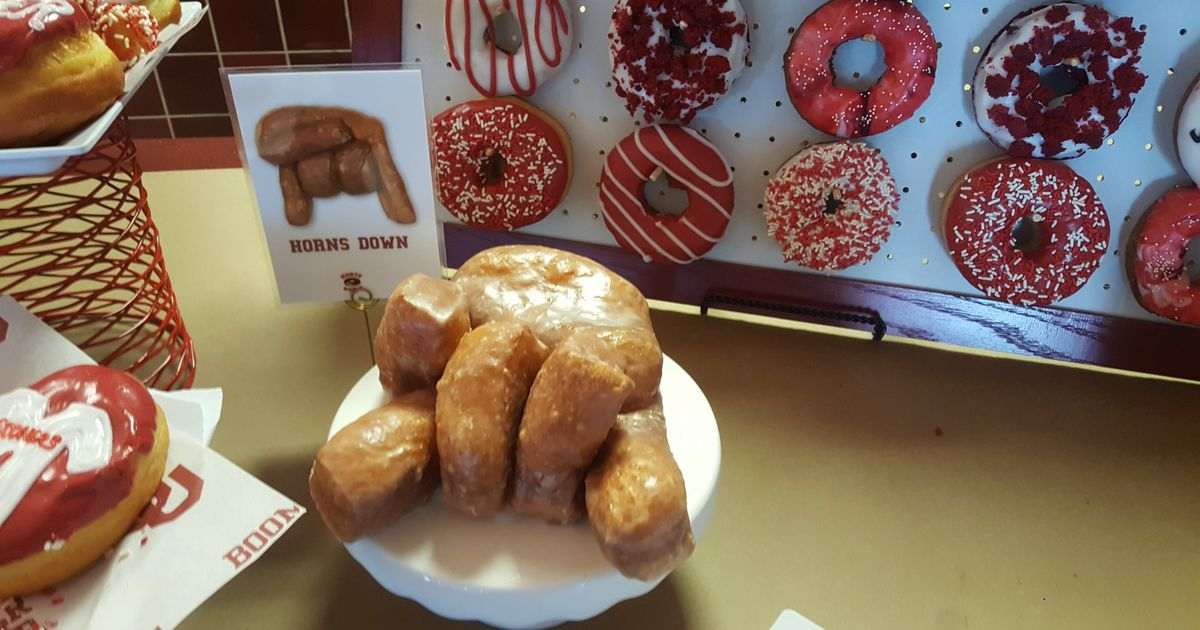 Oklahoma, Hurts Donuts to feature 'Horns Down' doughnut this season