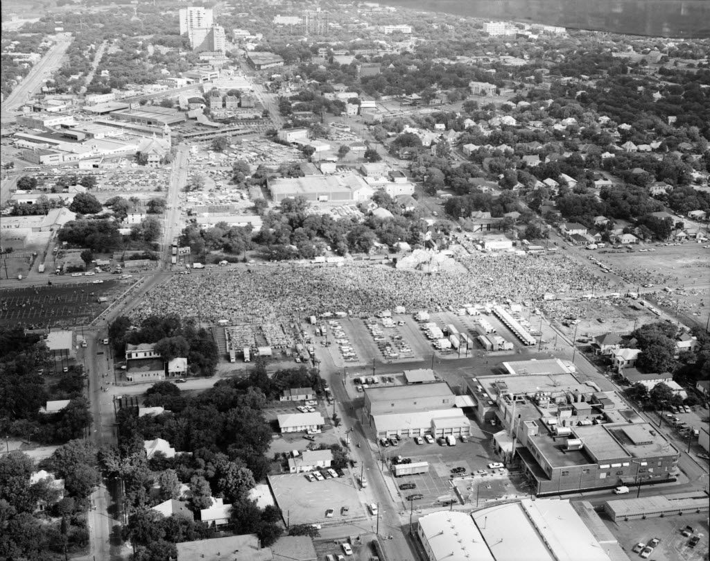 This is what Woodall Rodgers looked like in 1972, when Billy Graham had his Explo '72 in Dallas and Kris Kristofferson and others headlined a giant concert where the freeway ended up going.