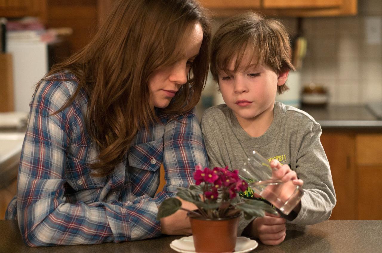 "Brie Larson y Jacob Tremblay interpretan a madre e hijo en ""Room"". (AP/A24)"