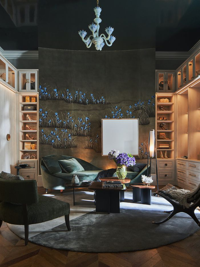 Woman's dressing room at the Kips Bay Decorator Show House Dallas. Designed by Doniphan Moore Interiors.
