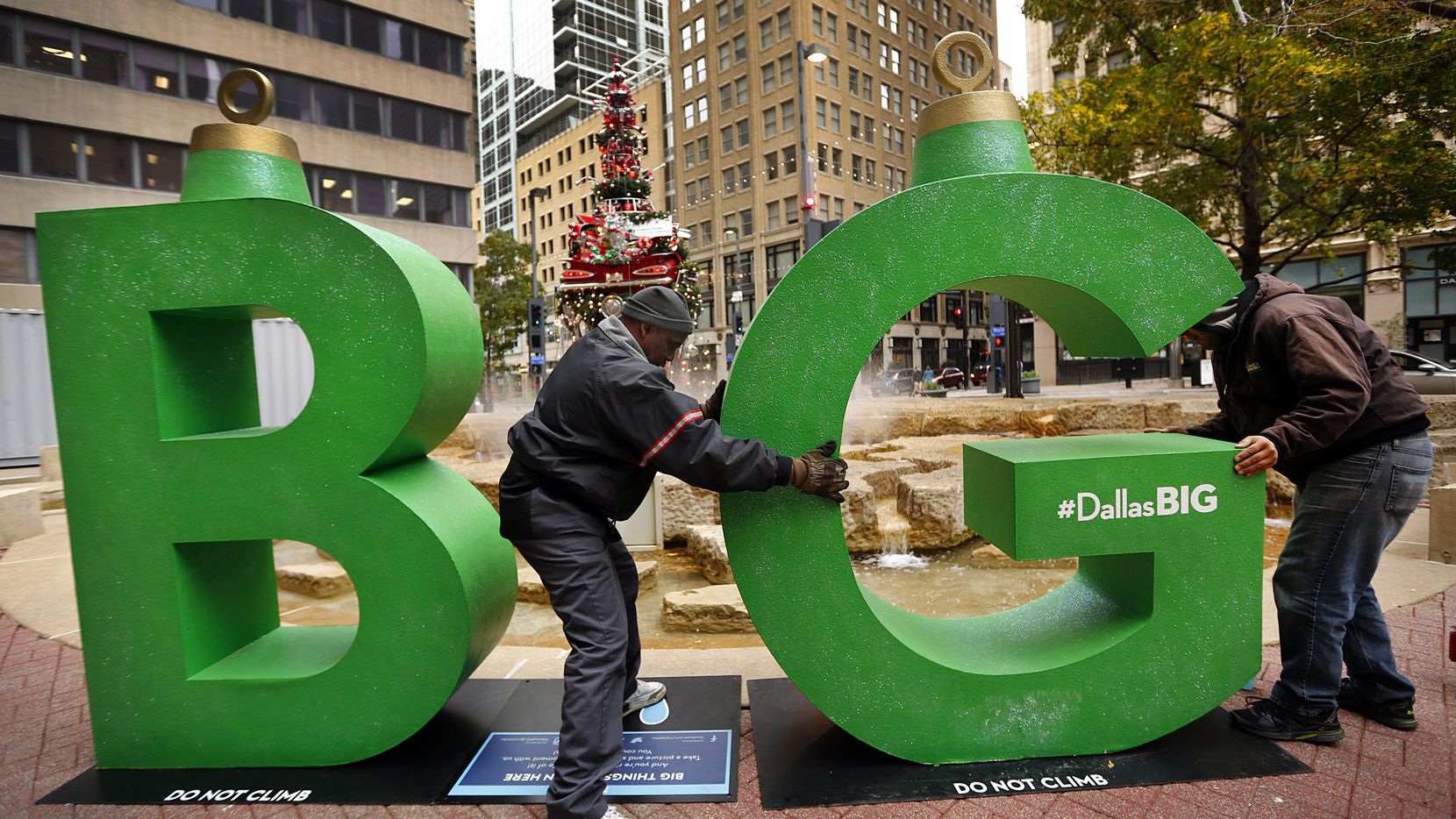 A Christmas-ornament-themed decorations installed at Akard and Main streets downtown in 2013 were part of the Dallas BIG campaign by VisitDallas, the city's tourism arm.
