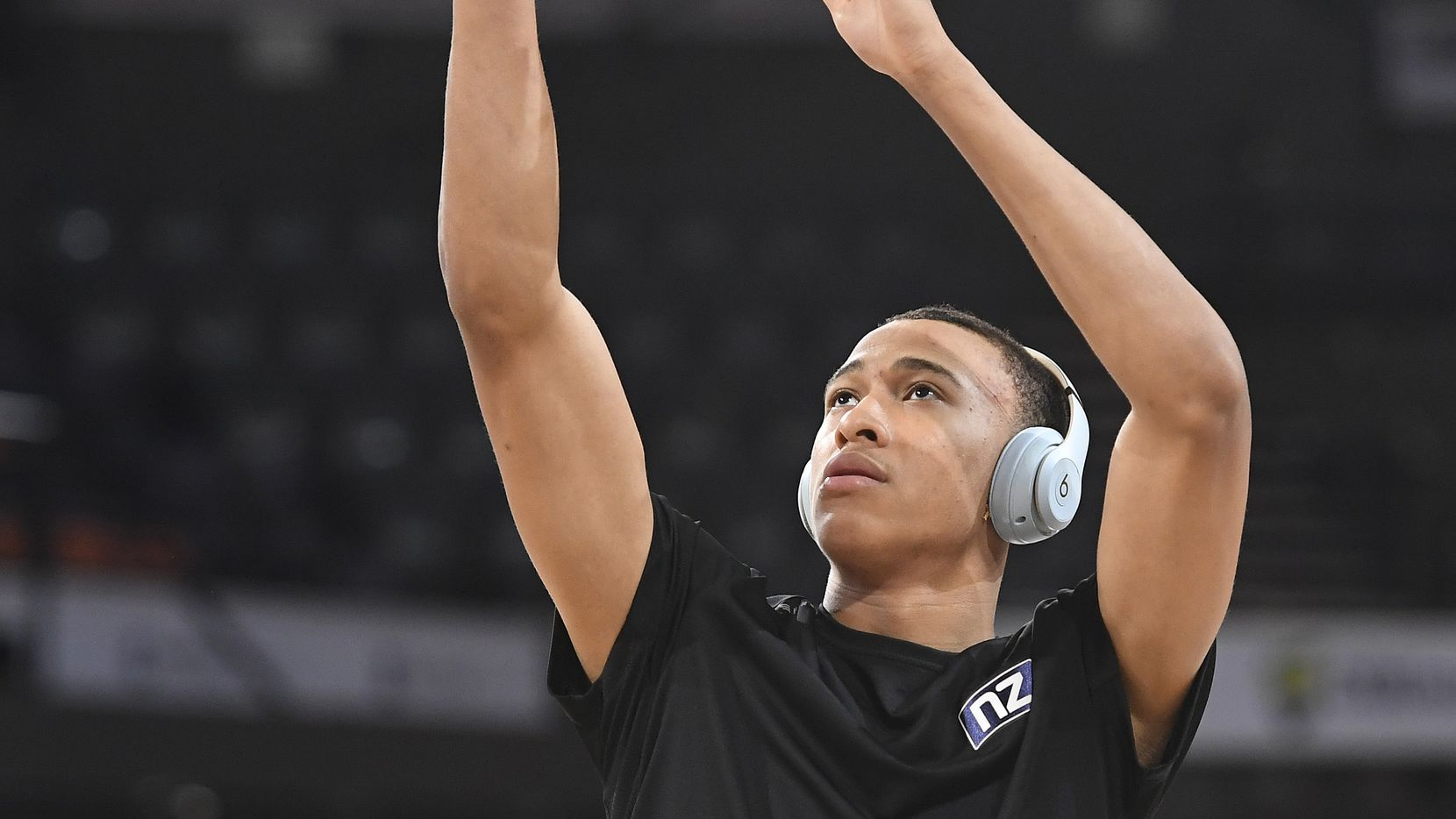 RJ Hampton of the Breakers warms up before the start of  the round 15 NBL match between the Cairns Taipans and the New Zealand Breakers at the Cairns Convention Centre on January 9, 2020 in Cairns, Australia.
