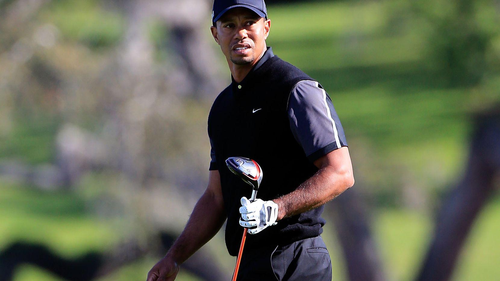 Tiger Woods fue transportado a un hospital de Los Ángeles para evaluar sus lesiones tras un accidente de auto.