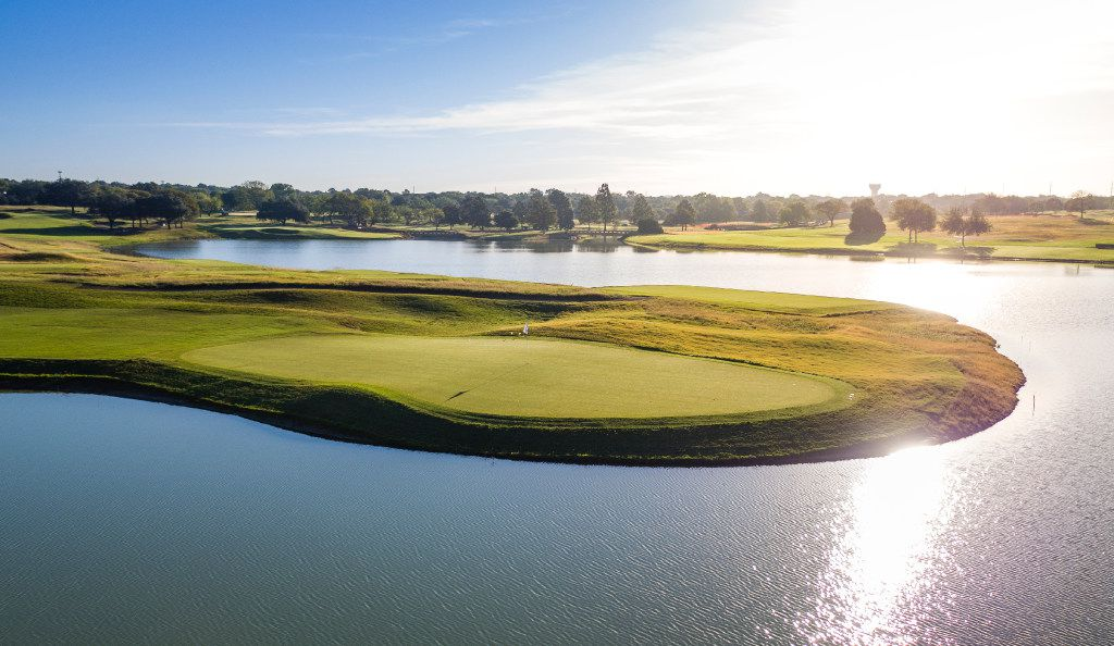 No. 5 at Maridoe Golf Club in Carrollton, Tx, is a 382-yard par 4 that extends into the refurbished lake.  The course, formerly known as Honors Club Dallas and Columbian Club, was completely redesigned by Steve Smyers, a Florida-based golf course architect.
