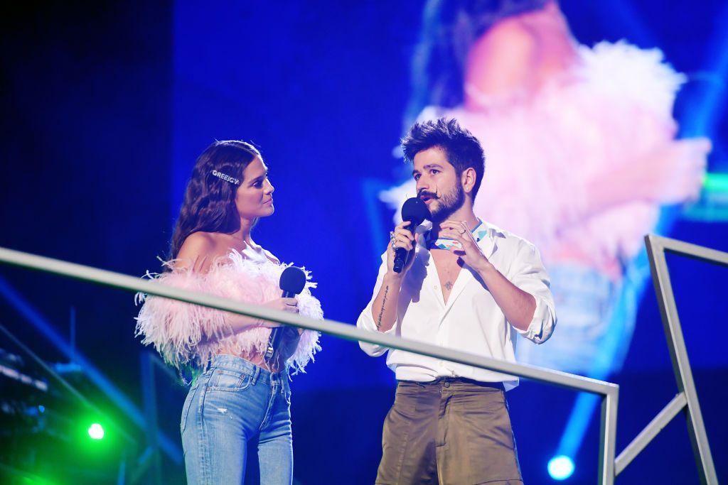 Evaluna Montaner y Camilo durante los 2020 Spotify Awards, el 5 de marzo en México.