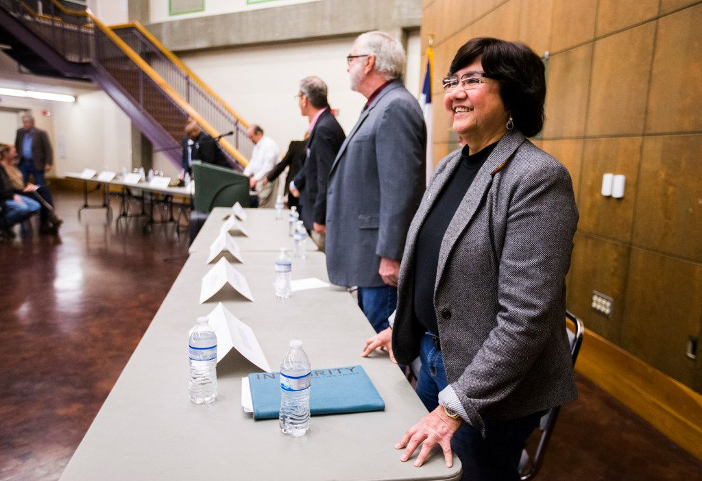 Gubernatorial candidate Lupe Valdez, right, and other candidates are introduced before a democratic gubernatorial candidate forum hosted by Tom Green County Democratic Club on Monday, January 8, 2018 at the San Angelo Museum of Fine Arts in San Angelo.