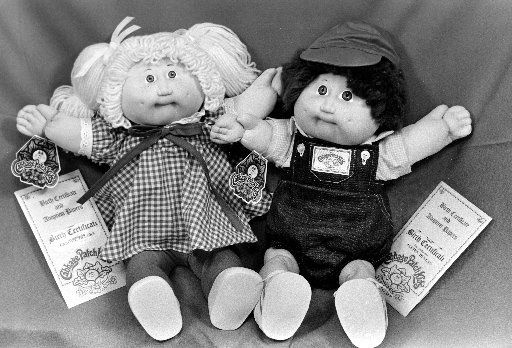 How hot were Cabbage Patch Kids in December 1983? These two were part of a holiday shopping window display at the Beverly Hills Cartier store that year.