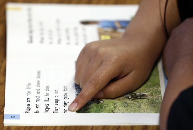 A student at Spring Creek Elementary in Dallas prepares for the STAAR test with a word exercise.  Staff photo by DAVID WOO/DMN
