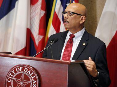 Rocky Vaz, director de la Oficina de Manejo de Emergencias de Dallas, durante una reuda de prensa sobre los preparativos de la ciudad para la crisis del coronavirus.