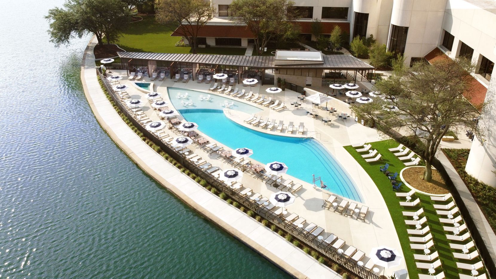 The Omni Las Colinas got a new pool area with bar and dining.