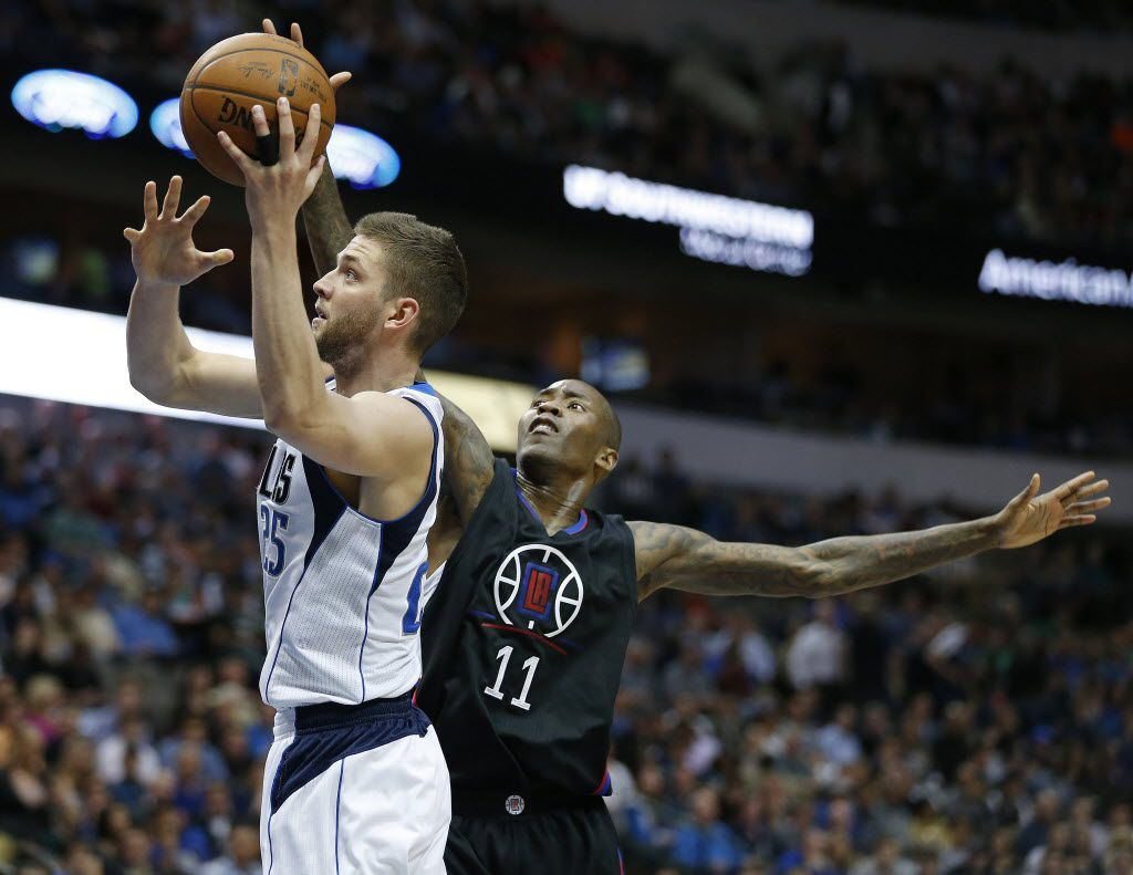 Los Angeles Clippers guard Jamal Crawford (11) attempts to block a shot by Dallas Mavericks forward Chandler Parsons (25) in the first half during a National Basketball Association game between the Los Angeles Clippers and Dallas Mavericks at the American Airlines Center in Dallas Monday March 7, 2016. (Andy Jacobsohn/The Dallas Morning News)
