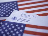 Las personas que puedan arreglar su estatus migratorio en el país pueden comenzar a prepararse con documentos y algunos pendientes, en caso de que se apruebe la reforma migratoria de Joe Biden.